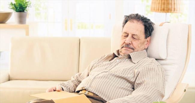 İftar sonrası yatmak reflüye neden olur