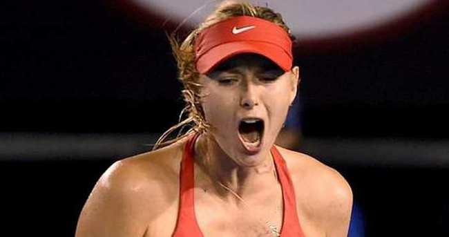 Federer'den Sharapova için şok sözler