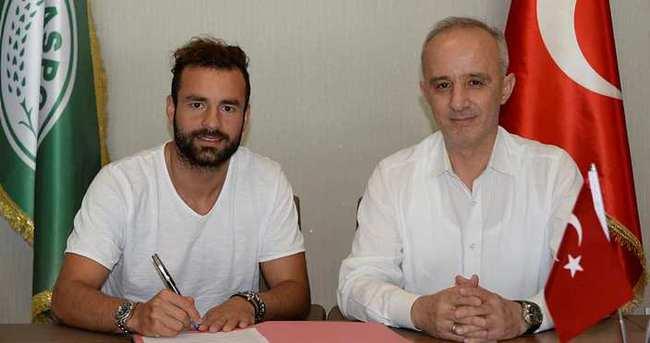 Mehmet Uslu 1 yıl daha Konyaspor'da