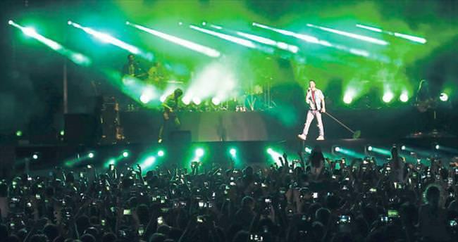 'Maroon 5' EXPO'yu salladı