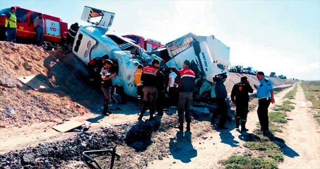 Katliam gibi kaza: 10 ölü