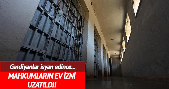 Gardiyanlar grevde mahkumlar evde