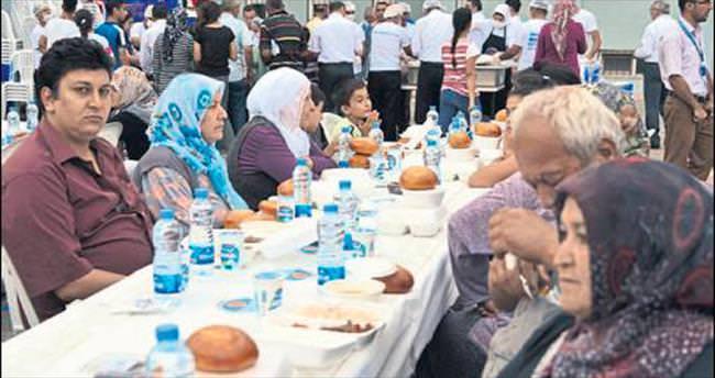 Ramazan coşkusu Mersinlileri sardı