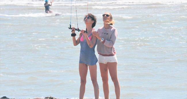 Bilge'den kite surf şovu