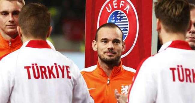 Sneijder'den Türkiye'ye destek