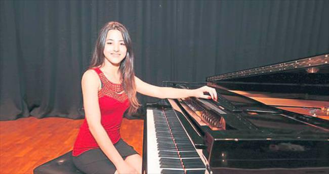 Yaşarlı genç piyaniste ikincilik ödülü verildi