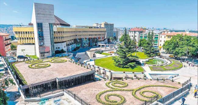 Tiryaki en sonunda belediyeyi de yıktı
