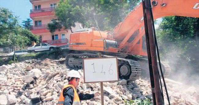 Sağlıklı kentler için yıkımlara devam