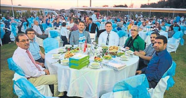 MÜSİAD İzmir'den çok özel iftar yemeği