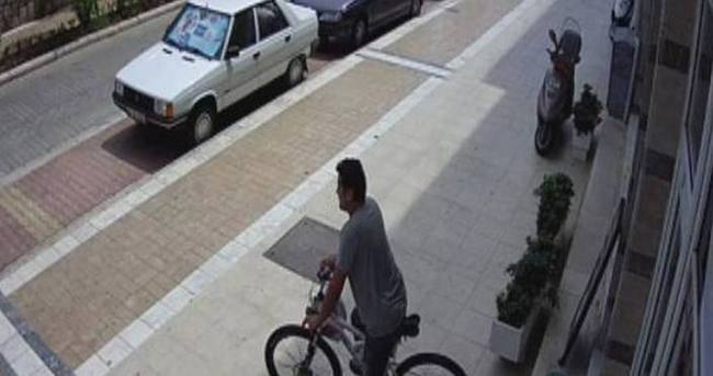 Kendisine yardım eden imamın bisikletini çaldı