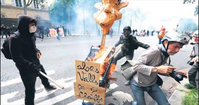 Fransa'daki büyük grev Eyfel'i de vurdu