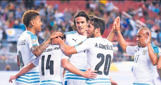 Prestij maçında Uruguay 3'ledi!