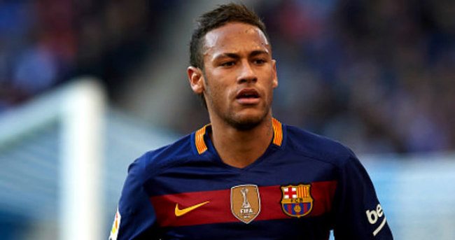 Neymar küfürlü mesajları için özür diledi