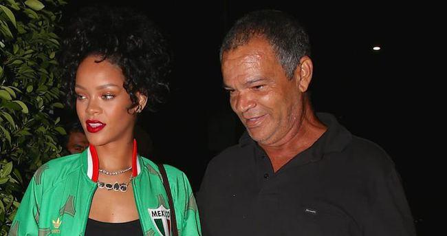 Rihanna'dan babasına 1.8 milyon dolarlık malikane