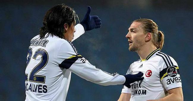 Fenerbahçe'den Caner ve Alves'e veda