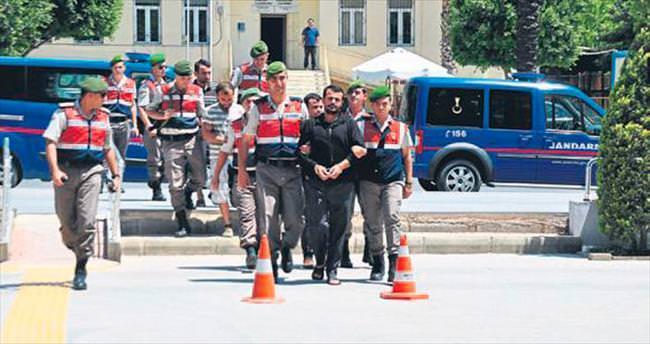 Zehir tacirlerine Jandarma baskını