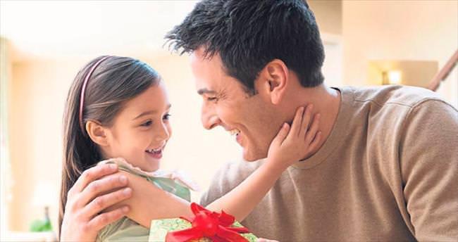 Hediye seçiminde anneden destek alın