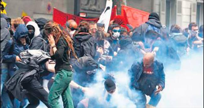 Hollande'dan sert tehdit: Tüm gösterileri yasaklarız
