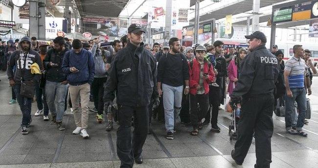 Almanya'ya beklenenden daha az sığınmacı geliyor