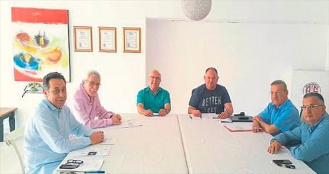 Antalyaspor'da dernek seçimi haftaya kaldı