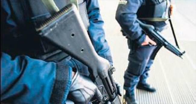 Belçika'da 12 terör şüphelisi tutuklandı