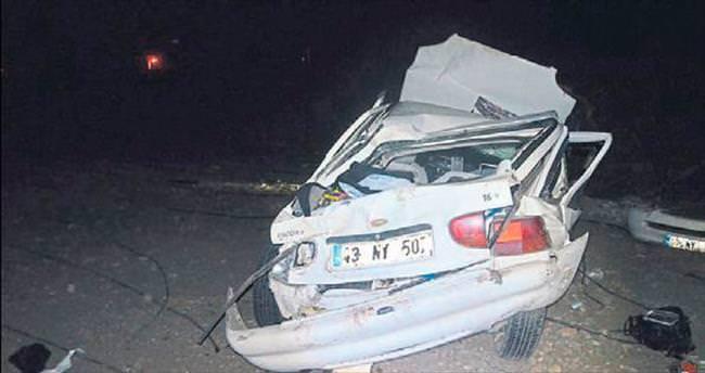 Otomobil uçuruma yuvarlandı: 2 ölü, 2 yaralı