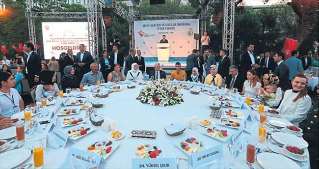 Teröre verilecek en güzel cevap İzmir'dir