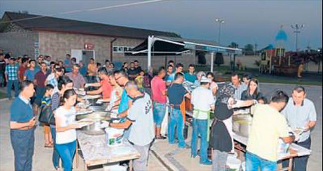 Belediye personeli birlikte oruç açtı