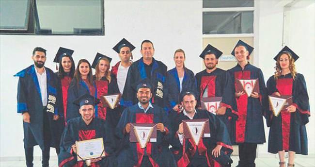 Eğitim Fakültesi'nde görkemli mezuniyet töreni düzenlendi