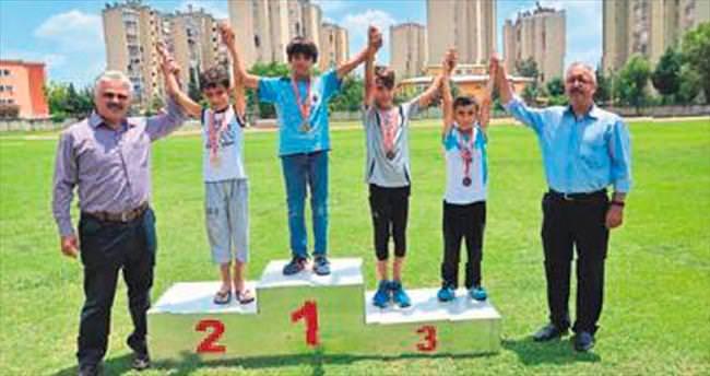 Naili Moran Atletizm Yarışmaları'na 16 sporcu
