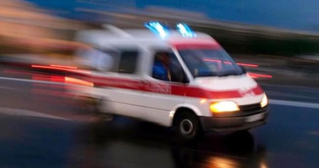 TEM'de kamyon şarampole devrildi: 1 yaralı