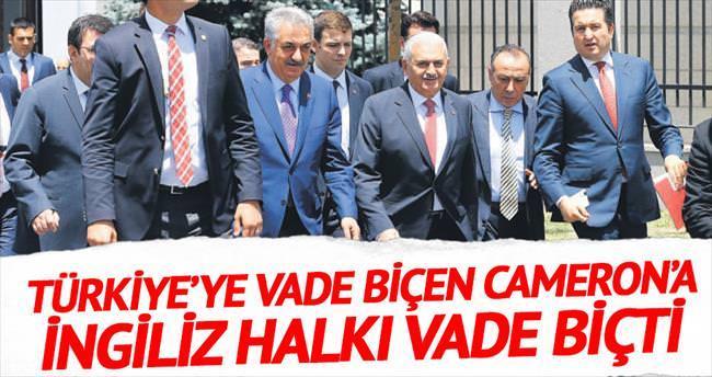 Türkiye'ye vade biçen Cameron'a İngiliz halkı vade biçti