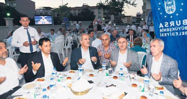 1500 kişilik Medine Camisi ibadete açıldı