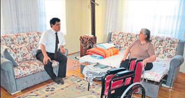 Başkan Gül'den hediye sandalye