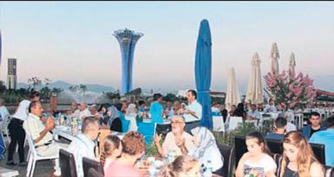 EXPO 2016 fuar alanında iftar