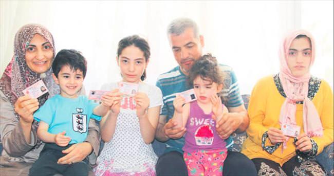 Samaa ve ailesi kimliğe kavuştu