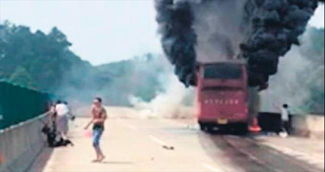 Turist otobüsünde diri diri yandılar!