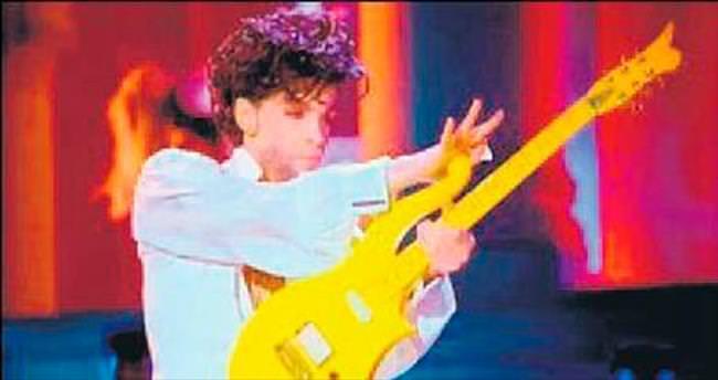 Prince'in gitarı Bowie'nin saçı...