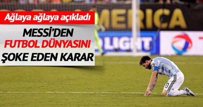 Ağlayan Messi milli takımı bıraktı!