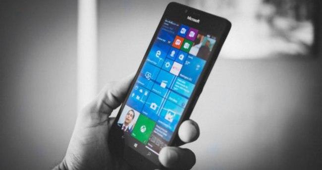 Surface Phone için ilk resmi açıklama geldi