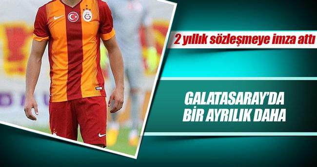 Göztepe, Galatasaraylı Emre Can'la imzaladı