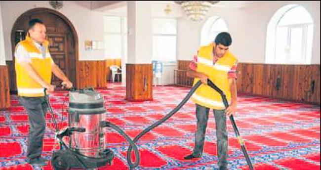 Camilerde temizlik zamanı