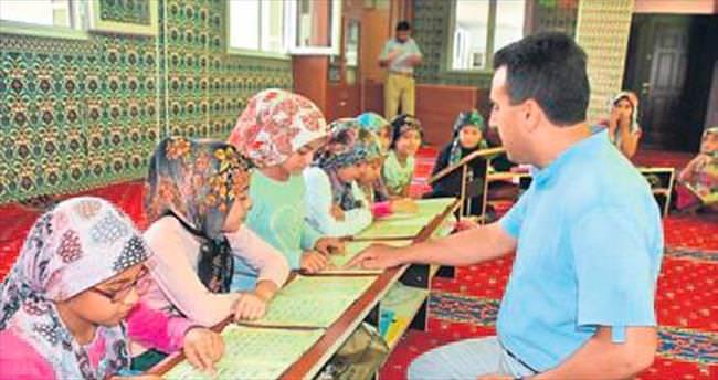 Akhisar'da Kur'an kursuna yoğun ilgi