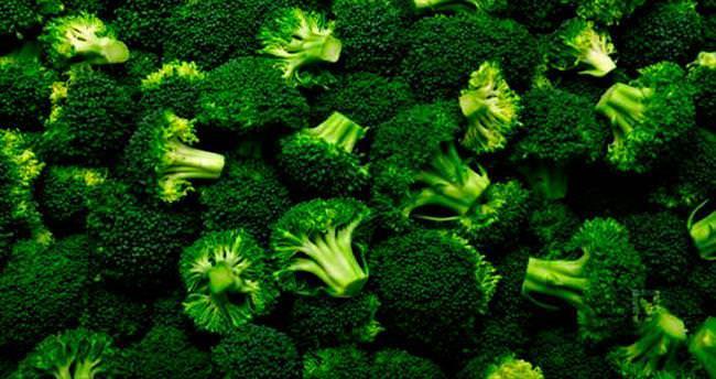 Kansere karşı brokoli lahana ve marul yiyin