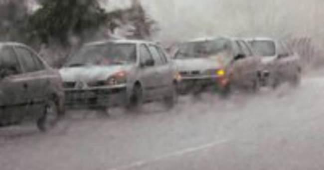 Çorum'da şiddetli fırtına ve yağış