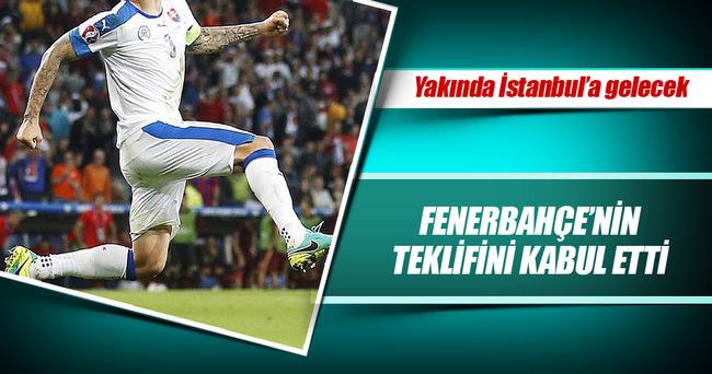 Fenerbahçe'nin teklifini kabul etti