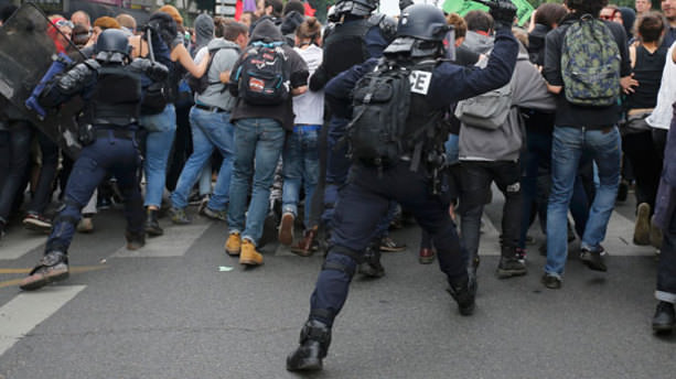 Fransızlar ayağa kalktı