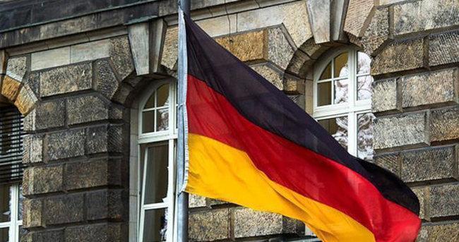 Köln'de İstanbul saldırısı için taziye defteri