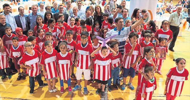 300 çocuk için iftar
