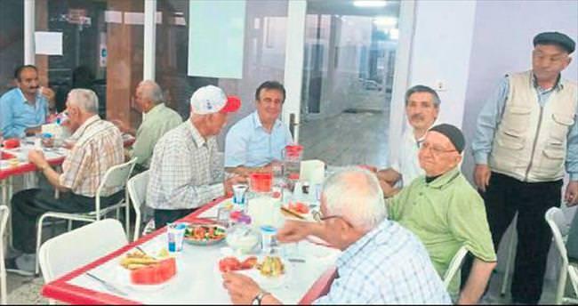 BESOB huzurevindeki yaşlıları unutmadı